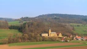 Iglesia del pueblo imagen de archivo