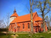 Iglesia del pueblo en Polonia Imágenes de archivo libres de regalías