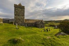 Iglesia del ` s de StClement en Rodel, capilla antigua en Harris y Lewis Island, montañas, Escocia, Gran Bretaña Imagen de archivo libre de regalías