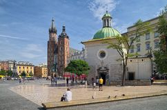 Iglesia iglesia del ` s del St Wojciech y de St Mary, Kraków, Polonia Imagenes de archivo
