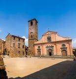 Iglesia del St Donato en Civita di Bagnoregio, Italia Fotografía de archivo