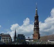 Iglesia del St. Nicholas Church y del St. Michaelis en Hamburgo - Alemania - Europa Fotografía de archivo libre de regalías