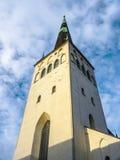 Iglesia del St Olaf en Tallinn Imagenes de archivo
