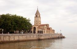 Iglesia del St. Pedro, Gijón Fotos de archivo