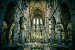 Iglesia dilapidada en la abadía abandonada de Villers Imágenes de archivo libres de regalías