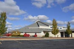 Iglesia diseñada moderna Foto de archivo libre de regalías