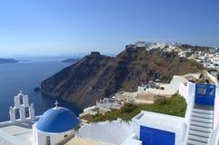 Iglesia e Imerovigli de Santorini Imágenes de archivo libres de regalías