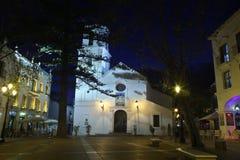 Iglesia en el centro de Nerja foto de archivo