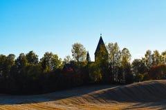 Iglesia en el condado Noruega de Hamar Hedmark imágenes de archivo libres de regalías