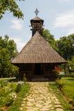 Iglesia en el pueblo del aire abierto Imagenes de archivo