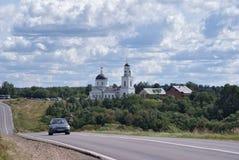 Iglesia en el Radonezh Rusia fotos de archivo