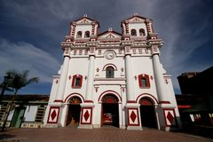 Iglesia en Guatape, Colombia Fotografía de archivo