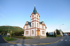 Iglesia en Husavik fotografía de archivo