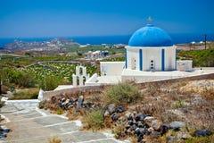 Iglesia en la isla de Santorini, Grecia Imagen de archivo