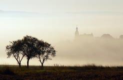 Iglesia en la niebla Imágenes de archivo libres de regalías