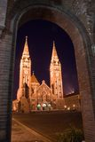 Iglesia en la noche Imágenes de archivo libres de regalías