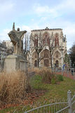 Iglesia en Lyon y monumento a Janna Dark francia Imagenes de archivo