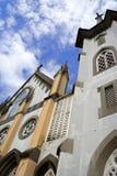 Iglesia en pequeña ciudad Imagen de archivo