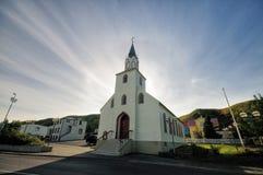 Iglesia en Saudarkroku, Islandia imagen de archivo libre de regalías