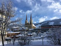 Iglesia en St Johann Pongau, Austria fotografía de archivo