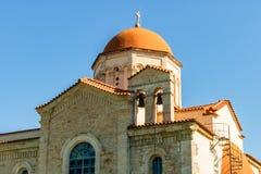 Iglesia en un pueblo viejo en la isla de Creta, Grecia imagen de archivo