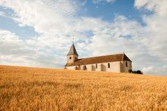 Iglesia en una colina fotos de archivo