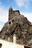 Iglesia en una roca, en Velay, Francia de Le Puy Imagen de archivo libre de regalías