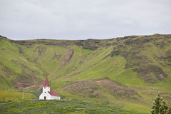Iglesia en Vik, Islandia del sur Imágenes de archivo libres de regalías