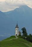 Iglesia encima de una colina Fotos de archivo libres de regalías