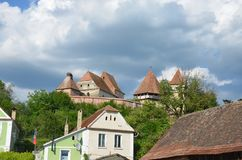 Iglesia fortificada Alma Vii, Transilvania, Rumania imagen de archivo