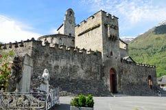 Iglesia fortificada en Luz-santo-Sauveur fotos de archivo libres de regalías