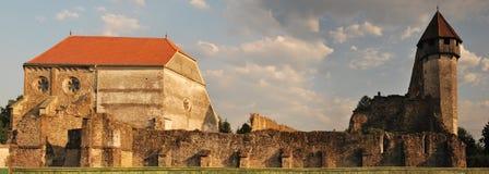 Iglesia fortificada vieja, parte en ruina Fotos de archivo libres de regalías