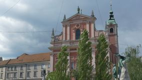 Iglesia franciscana de Ljubljana del anuncio almacen de metraje de vídeo