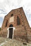 Iglesia gótica en Cislago Lombardía, Italia Imagenes de archivo