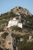 Iglesia griega tradicional en la montaña crete Grecia fotos de archivo libres de regalías