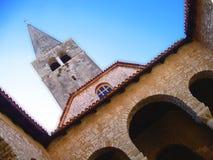 Iglesia hacia el cielo Fotografía de archivo libre de regalías