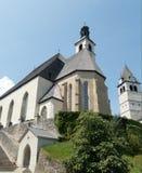 Iglesia hermosa en kitzbuhel en Austria imagen de archivo libre de regalías
