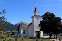 Iglesia hermosa en Ulvik Noruega fotos de archivo libres de regalías