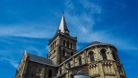 Iglesia hermosa en un día soleado Fotografía de archivo