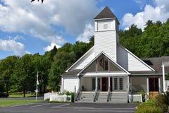 Iglesia metodista unida de esfuerzo en el Poconos imagen de archivo