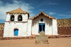 Iglesia mexicana blanca y azul Imágenes de archivo libres de regalías
