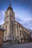 Iglesia negra en la ciudad Rumania de Brasov Foto de archivo