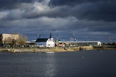 Iglesia noruega en la bahía de Cardiff Fotografía de archivo libre de regalías
