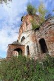 Iglesia ortodoxa abandonada en la parte europea de Rusia Fotografía de archivo