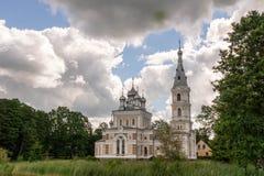 Iglesia ortodoxa de San Nicolás por el lago Foto de archivo