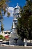 Iglesia ortodoxa en Kamari Foto de archivo libre de regalías