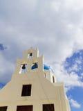 Iglesia ortodoxa griega en el pueblo de Oia en Santorini Imagen de archivo libre de regalías