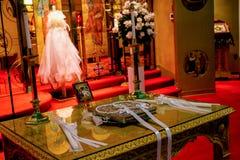 Iglesia ortodoxa griega preparada para una boda Fotografía de archivo
