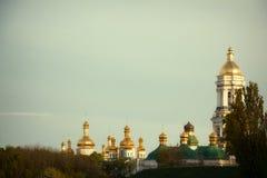 Iglesia ortodoxa Kyiv, bóveda, cúpulas, Kiev-Pechersk Lavra Imagenes de archivo