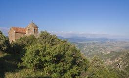 Iglesia ortodoxa y opinión hermosa del paisaje Imagen de archivo libre de regalías